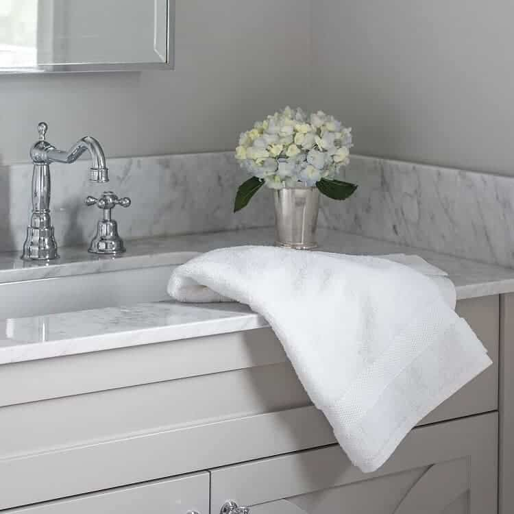 Boll & Branch Luxury Hand Towels - White