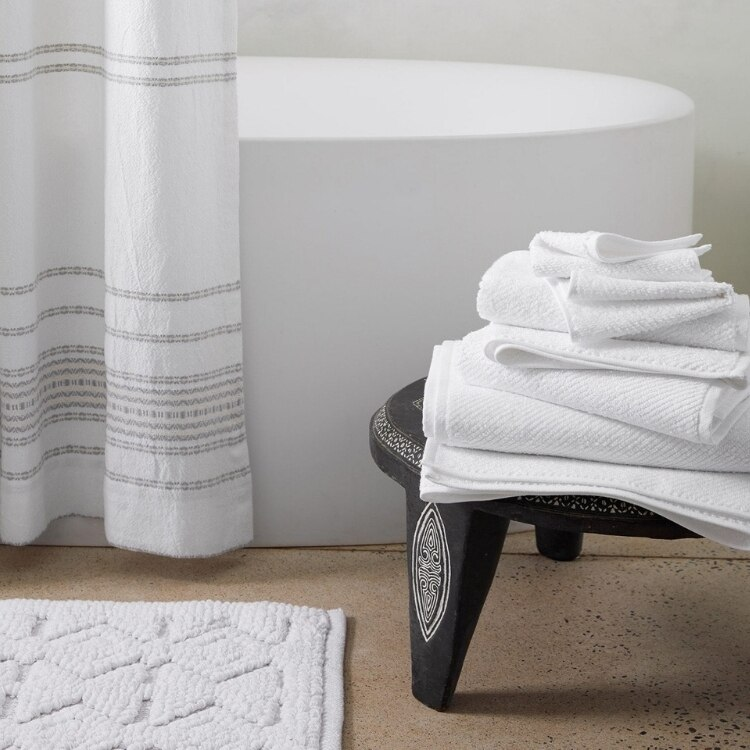 Air Weight Organic Towels - Alpine White Lifestyle