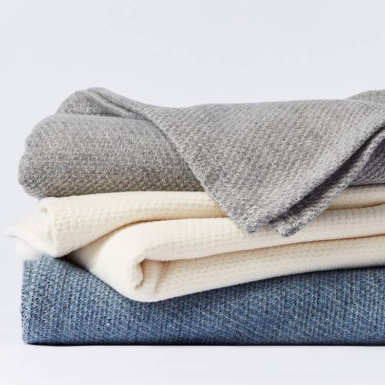 Coyuchi Sequoia Washable Organic Cotton & Wool Blanket 01